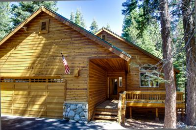 Sierra Sanctuary with Pool Table - Truckee Vacation Rental