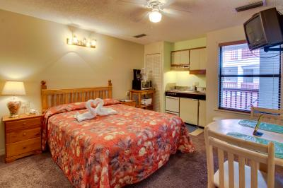 The Inn at St. Thomas Square #1204C - Panama City Vacation Rental