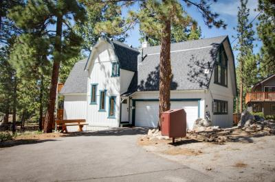 Mountain Peak Chalet  - South Lake Tahoe Vacation Rental