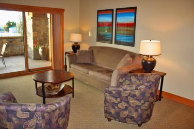 Lake House: Elegance Personified (104B) - Chelan Vacation Rental
