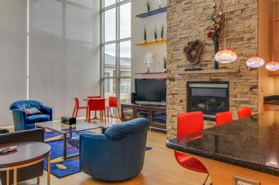 Contemporary Living at The Lofts w/ hot tub! - Brian Head Vacation Rental