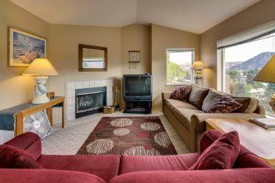 Park Pointe: Valley View (B301) - Chelan Vacation Rental