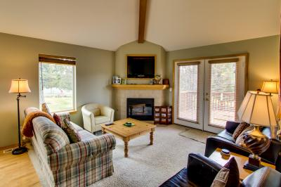 Eagle Crest on 9th Green with Hot Tub & WiFi - Eagle Crest Vacation Rental