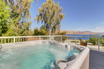 Royal View on Lakeshore - Chelan Vacation Rental