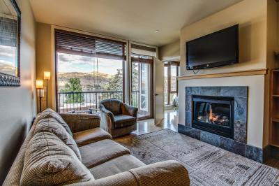 Chelan Resort Suites: Lakeview Hideaway (#311) - Chelan Vacation Rental