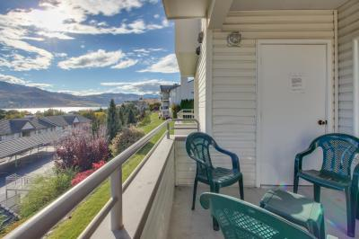 Park Pointe:  Sunshine Views (C203) - Chelan Vacation Rental