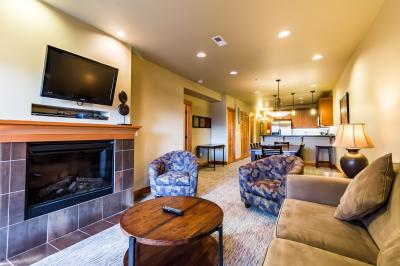 Lake House: Valley Vista (107C) - Chelan Vacation Rental