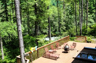 Sandy River Retreat - Welches Vacation Rental