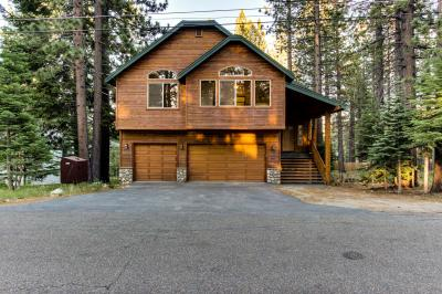 Dreamcatcher Lodge with Hot Tub! - South Lake Tahoe Vacation Rental
