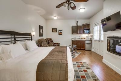 Main Street Retreat: Butterworts - Fredericksburg Vacation Rental