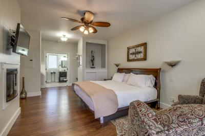 Main Street Retreat: Making Memories - Fredericksburg Vacation Rental