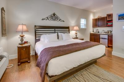 Main Street Retreat: The Social Goat - Fredericksburg Vacation Rental