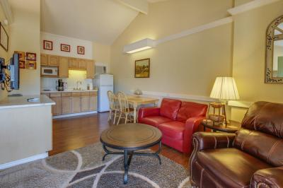 Downtown Retreat: Southern Serenity - Fredericksburg Vacation Rental