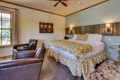 Wine Country Cottages on Main: Wine Key - Fredericksburg Vacation Rental