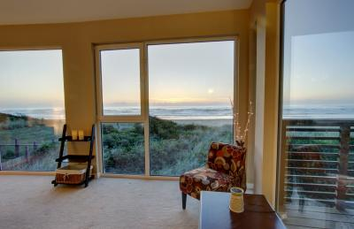 At Ocean's Edge #101 - Rockaway Beach Vacation Rental