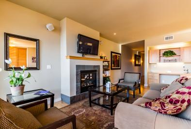 Chelan Resort Suites: Comfort by the Lake (#201) - Chelan Vacation Rental