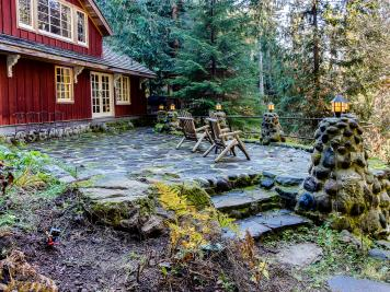 Swedish Stuga Vacation Rental - Rhododendron Vacation Rental