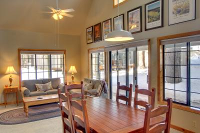 #29 Circle Four Cabin - Sunriver Vacation Rental