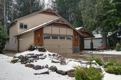 Mount Hood Getaway with Hot Tub - Welches Vacation Rental
