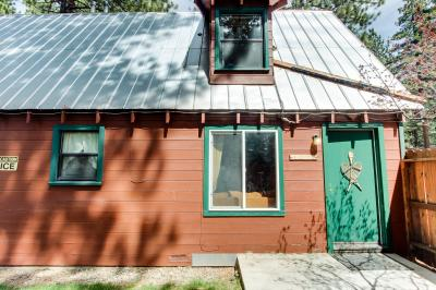 Spruce Grove Snowshoe Cabin - South Lake Tahoe Vacation Rental