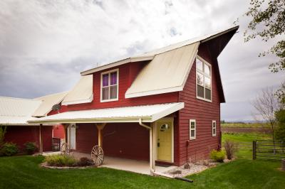 Creston Farmouse - Kalispell Vacation Rental