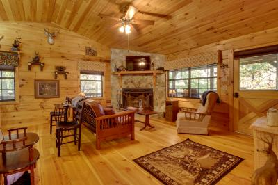 T&M Creek Cabin - Ellijay Vacation Rental