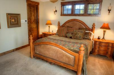 Romantic Retreat at Vine Maple - Sunriver Vacation Rental