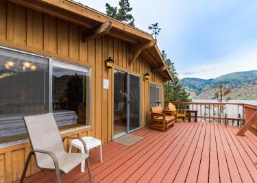 Pines Lake Cabin - Chelan Vacation Rental