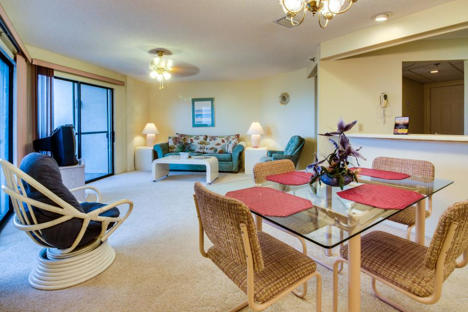 The Inn at St. Thomas Square #1203B - Panama City Beach Vacation Rental