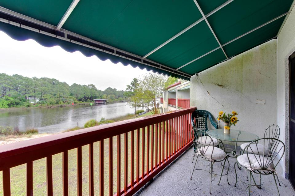 The Inn at St. Thomas Square #213 - Panama City Vacation Rental
