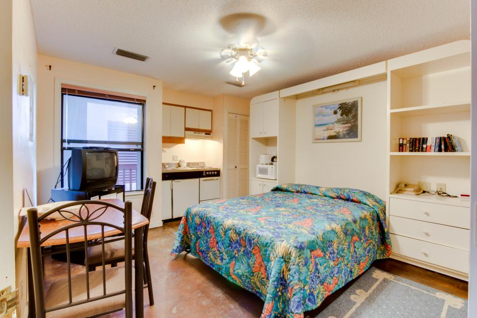 The Inn at St. Thomas Square #1203A - Panama City Beach Vacation Rental