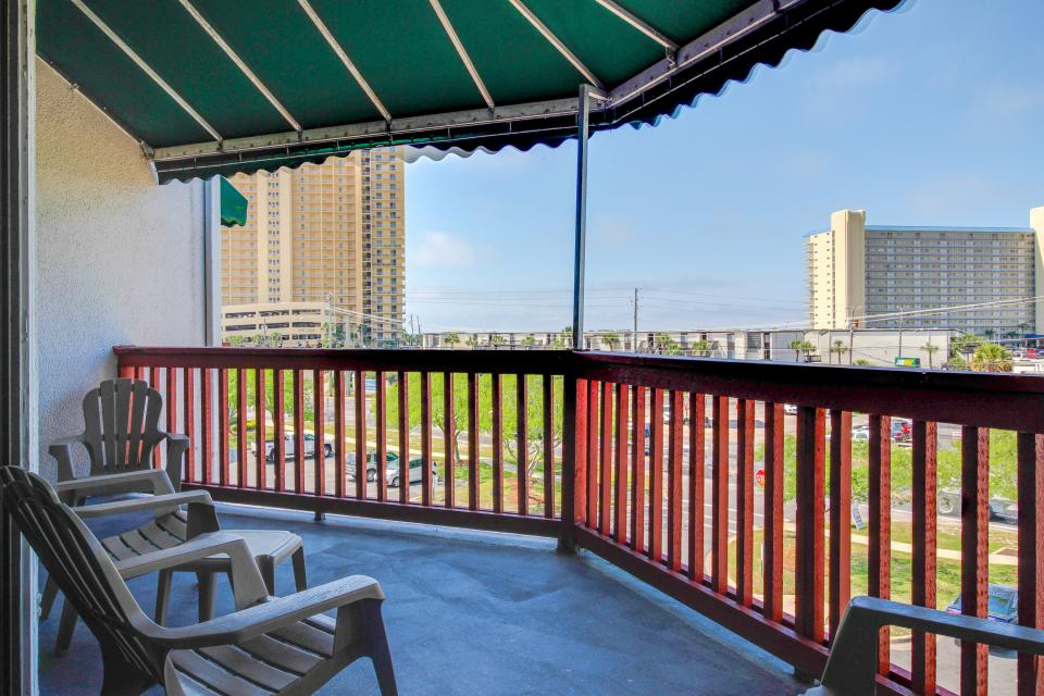 The Inn at St. Thomas Square #1304B - Panama City Vacation Rental