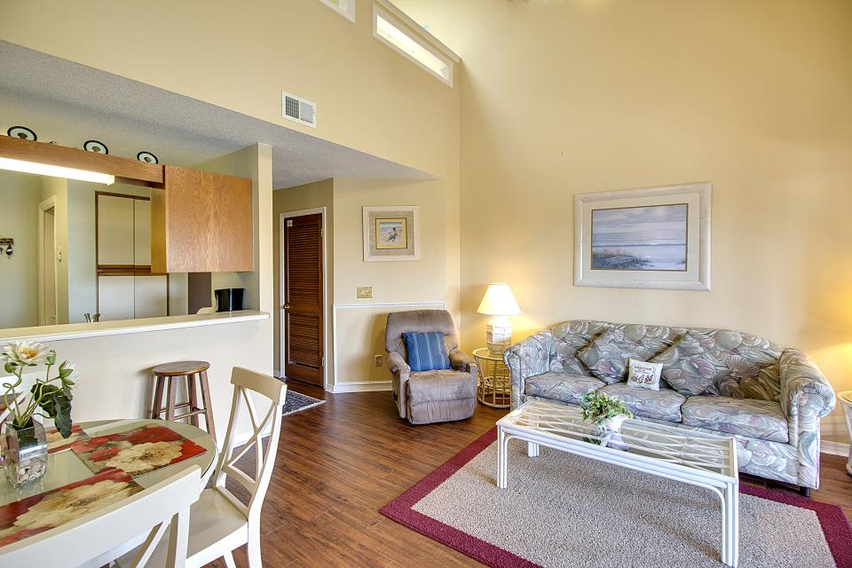 The Inn at St. Thomas Square #514 - Panama City Vacation Rental