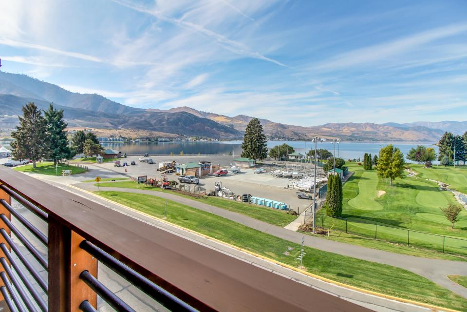 Lake House: Snowberry Blossom (408A) - Chelan Vacation Rental