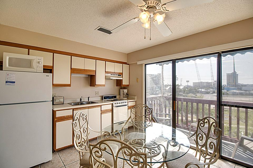 The Inn at St. Thomas Square #1310A - Panama City Vacation Rental