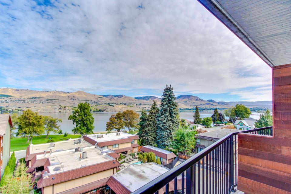 Chelan Resort Suites: Lakeview Luxury (#408) - Chelan Vacation Rental