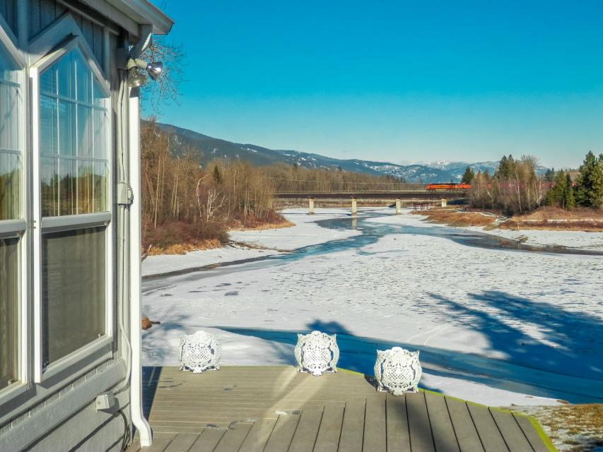 The Water's Edge on Larch Street  - Sandpoint Vacation Rental