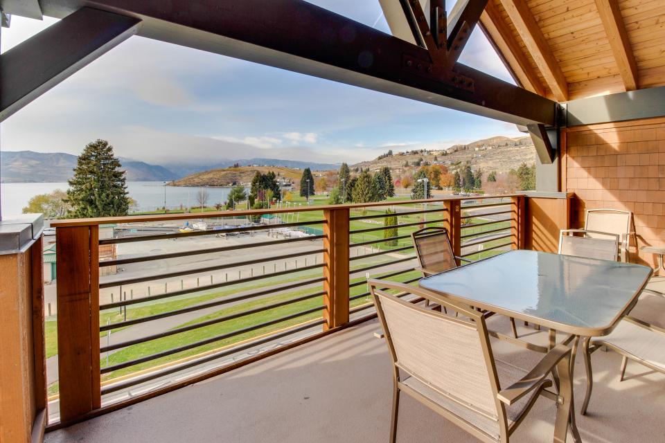 Lake House: Chelan Chalet (402) - Chelan Vacation Rental