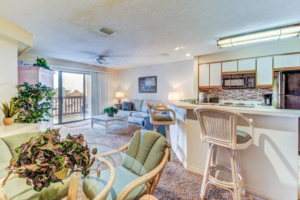 The Inn at St. Thomas Square #1208B - Panama City Beach Vacation Rental