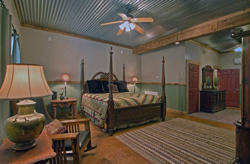 Historic Rocky Hill- Full Property - Fredericksburg Vacation Rental