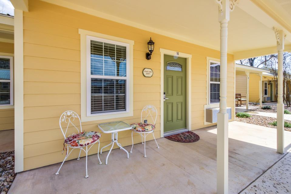 Main Street Retreat: Peace and Quiet - Fredericksburg Vacation Rental