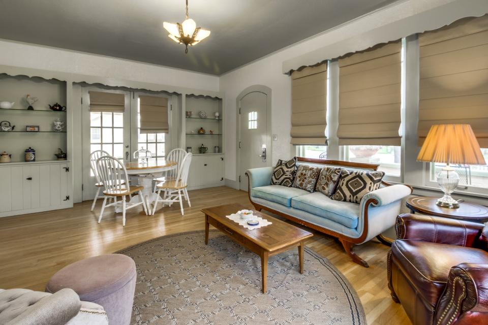 Main Street Retreat: The Old Rectory - Fredericksburg Vacation Rental