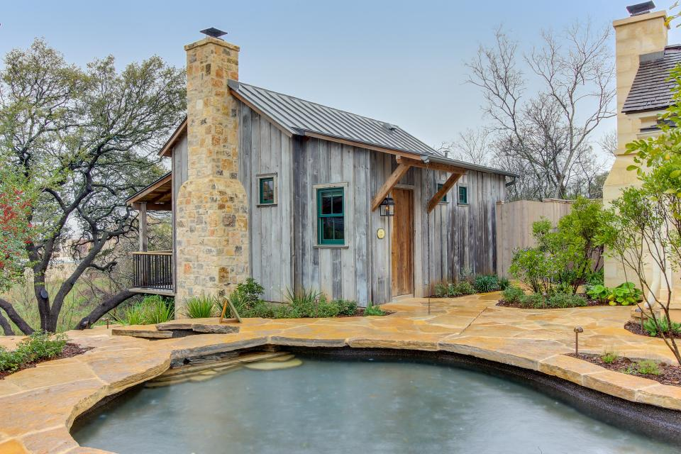 The Blacksmith Quarters on Barons Creek: The Carl Cottage - Fredericksburg Vacation Rental