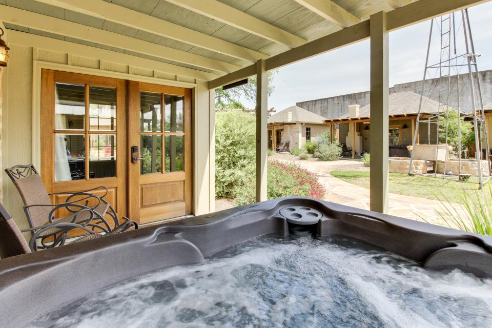 Wine Country Cottages on Main: Tank House - Fredericksburg Vacation Rental