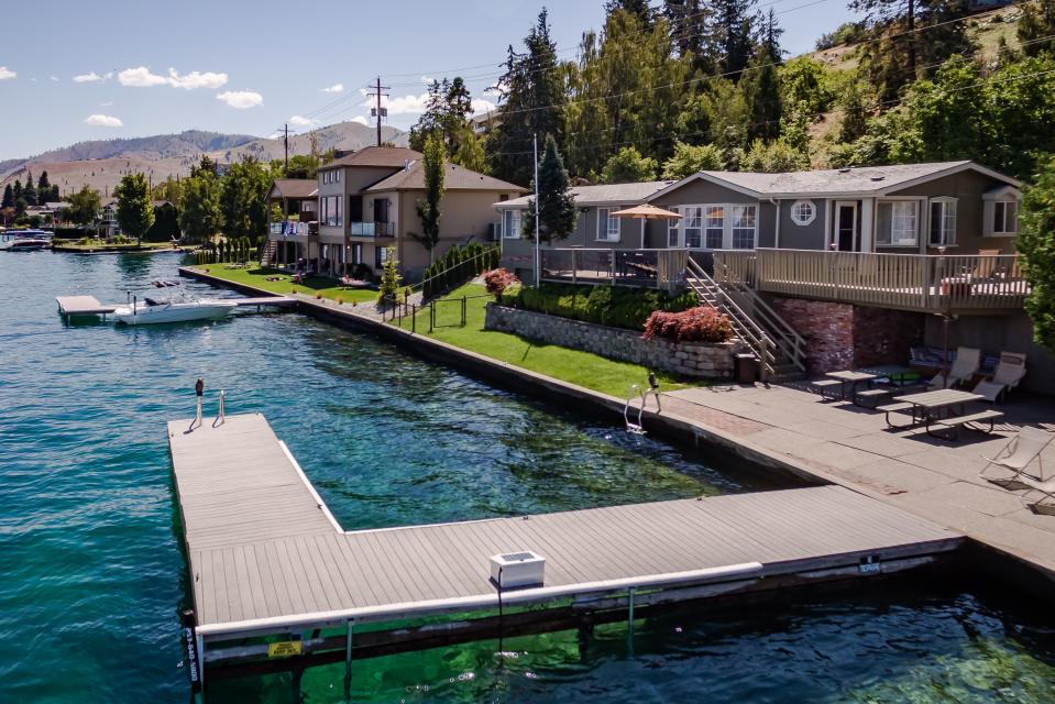 Crystal Lakeshore - Chelan Vacation Rental