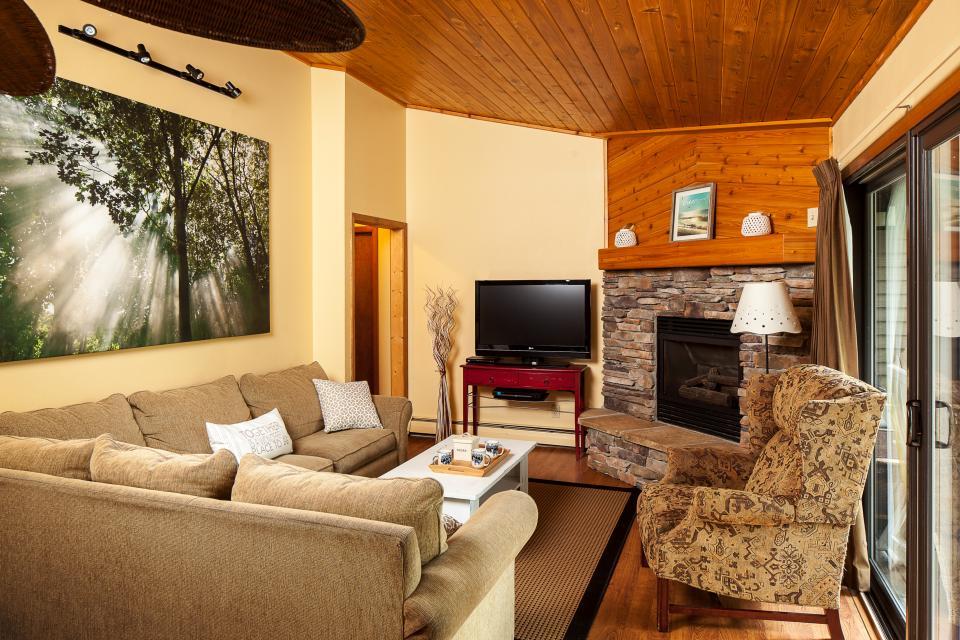 Bay Point Hillside 18B - Whitefish Vacation Rental