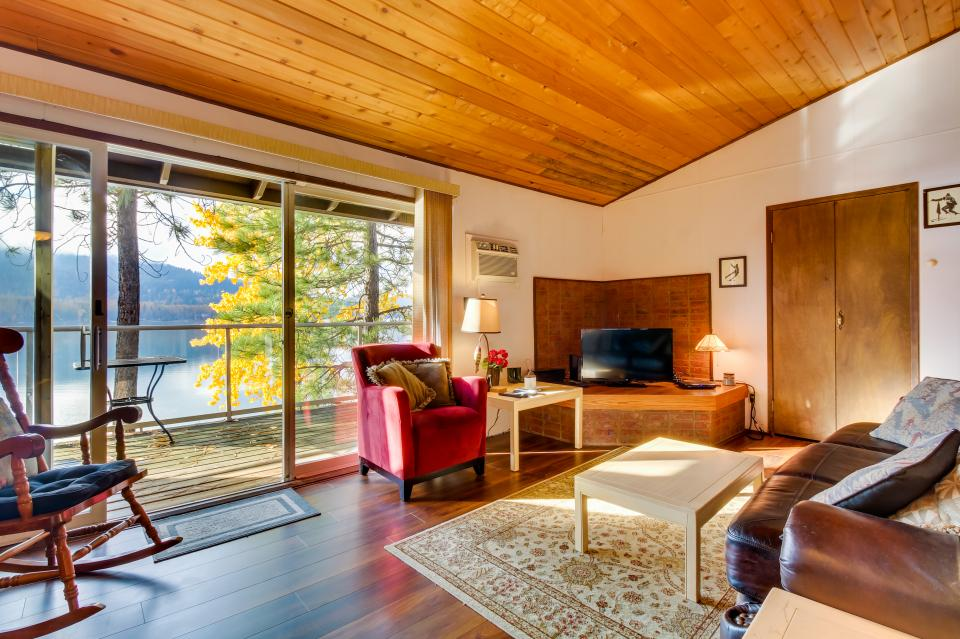 Bay Point Lakefront 3C Up - Whitefish Vacation Rental