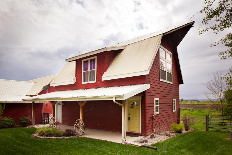 Creston Farmouse - Kalispell Vacation Rental