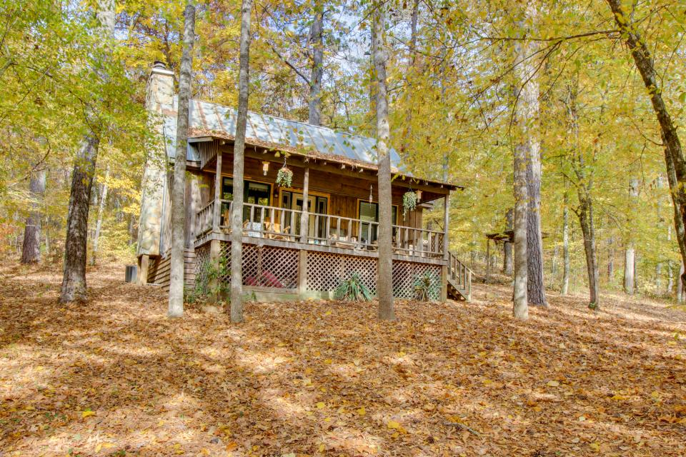 Driftwood Cabin - Talking Rock Vacation Rental