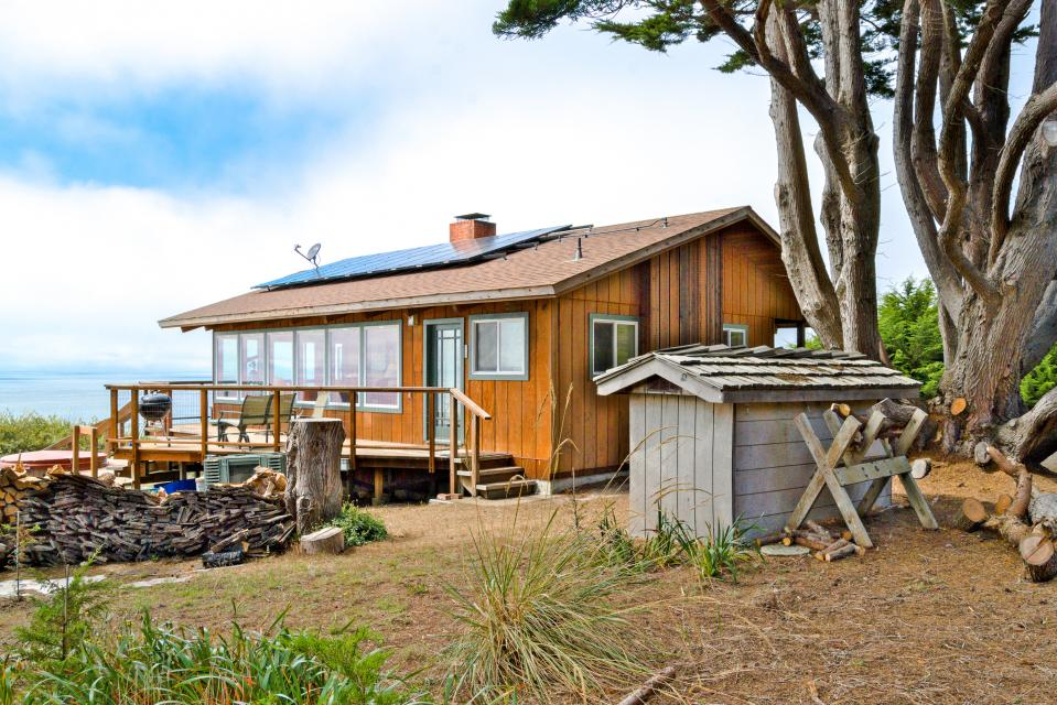 Pacific Mists - Albion Vacation Rental